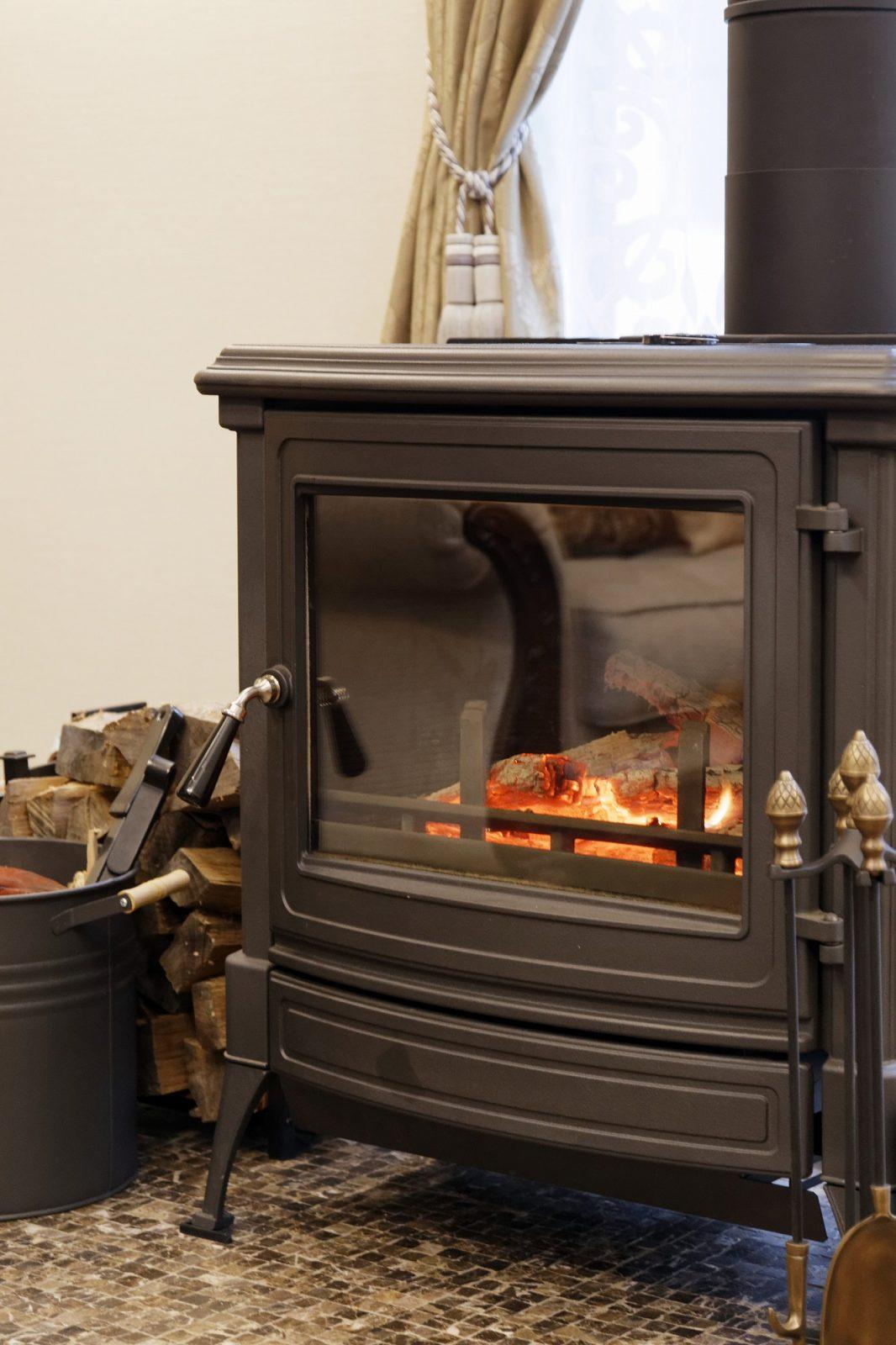薪ストーブ(暖炉)